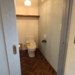 トイレと扉
